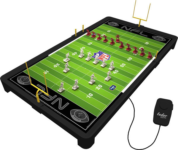 Photo of the Tudor NFL Electric Football Game 9072